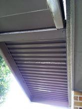 二階玄関 ポーチの補強工事 1階から2階を見上げた写真です 補強前